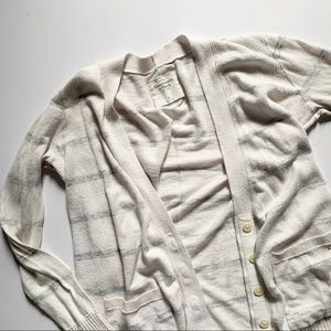 Abercrombie & Fitch• white striped beachy cardigan